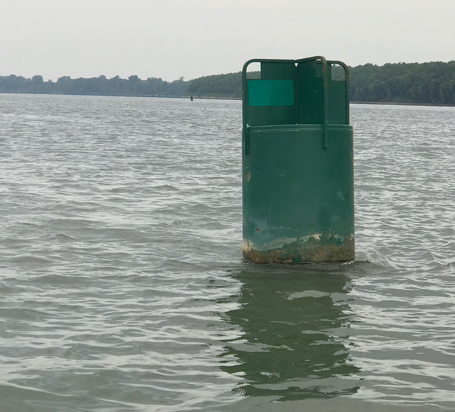 Green channel marker on the Ohio River