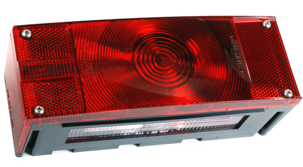 52492 – Submersible Low-Profile Trailer Lighting Kit, LH Stop Tail Turn, w/ License Window, Red