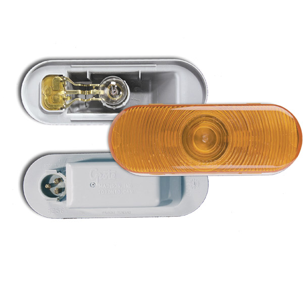 52563 – Torsion Mount® III Oval Stop Tail Turn Light, Front Park, Male Pin, Yellow Turn