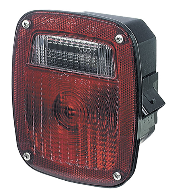 53712 – Three-Stud Metri-Pack® Stop Tail Turn Light, LH w/ License Window, Red