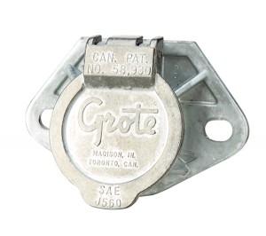 87270 – Ultra-Pin Receptacle Two-Hole Mount, Receptacle w/ Terminal Kit, Split Pin