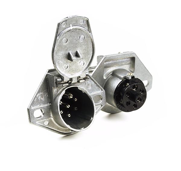 82-1002 – Heavy Duty 7-Way Connectors, Socket w/ Enclosed Terminals
