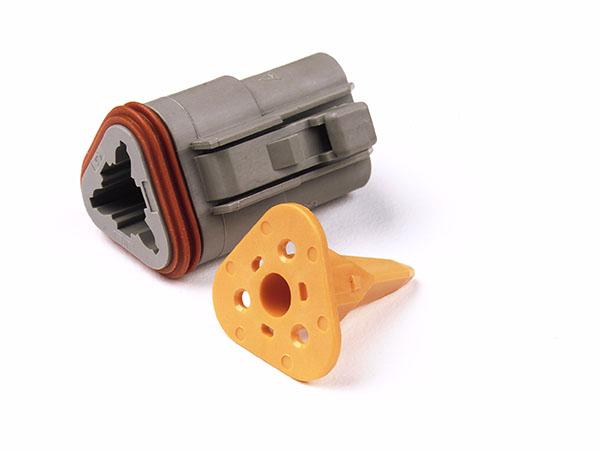 84-2473 – Deutsch – DT Series Housing & Wedgelocks, 3-Way Male Plug
