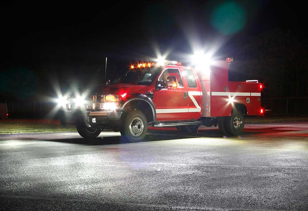 LED-Leuchten von Grote an einem Fahrzeug der Feuerwehr