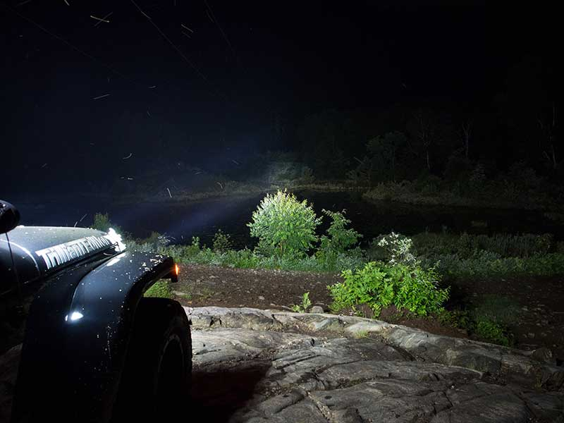 Luces LED Grote en jeep por la noche