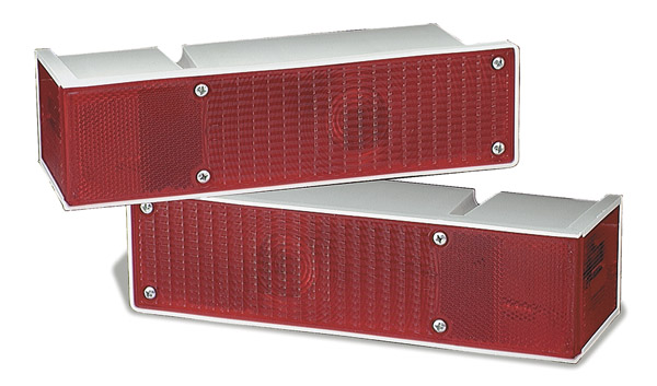 Grote Industries - 52372-3 – Large Wrap-Around 5 Function Rear Light, RH, Red, Bulk Pack
