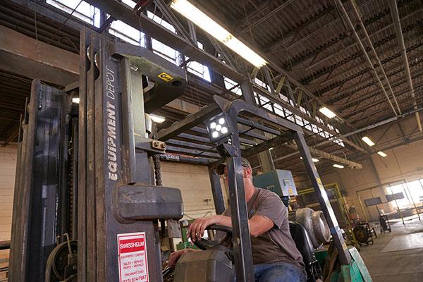 BriteZone bz201-5 LED Light on fork lift with driver