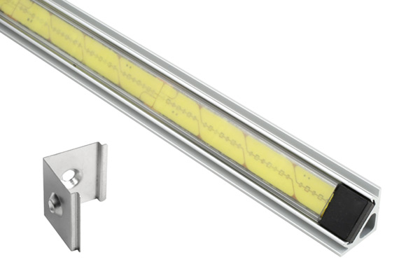 61R40 – XTL LED Light Strip in Mounting Extrusion, Clear, Angle, 22.67 in | 576 mm