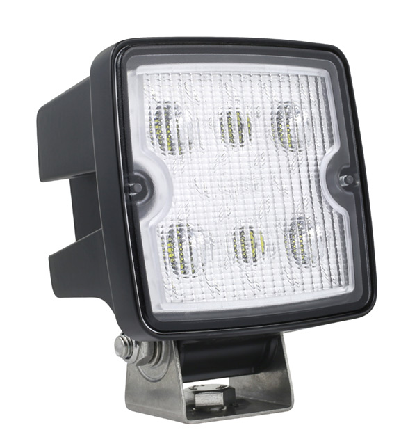 63W31 – Trilliant® Cube LED Work Light, 2000 Lumens, Close Range, Hard Shell, Superseal Connector
